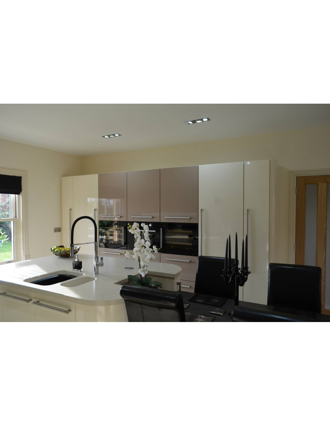 cream cappuccino gloss kitchen spilsby lincolnshire. Black Bedroom Furniture Sets. Home Design Ideas
